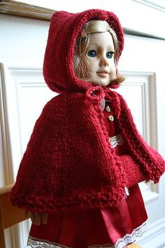 Kit's Christmas Cape - Free knit pattern for american girl dolls American Girl Outfits, Ropa American Girl, American Girl Crochet, American Doll Clothes, American Dolls, Knitting Dolls Clothes, Ag Doll Clothes, Crochet Doll Clothes, Knitted Dolls