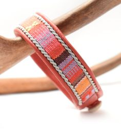 TENNARMBAND - SAMI BRACELET - ETHNIC CORD MIA - red via SolDesign - Tennarmband för alla smaker. Click on the image to see more!