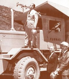 FURNAS CENTRAIS ELETRICAS 1957 - Juscelino Kubitschek nas obras da Barragem de Furnas em 1957, ano de fundação da Central Elétrica de Furnas, onde o presidente acompanhou várias etapas da ...Pesquisa Google