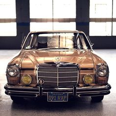 Natural lighting at its finest ☀️ #w114 #MercedesBenz