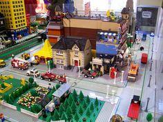 Un museo al norte de Alemania alberga una exposición que representa la historia de la humanidad a partir de 1,5 millones de piezas LEGO