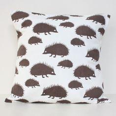 Strolby – Foxy and Winston / Espresso Hedgehog Cushion Cover