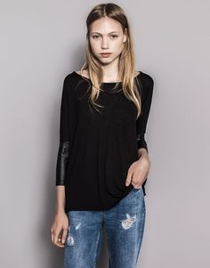 :BASIC JUMPER WITH FAUX LEATHER SLEEVES