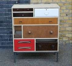 So wish I could refurbish things. Like this one. Amazing. http://www.stylingandsalvage.com/