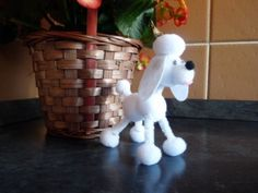 Craft ideas for Kids: Pompom Puppy Tutorial. Craft ideas for Kids: Pompom Puppy Tutorial What you need: Various sized white pompoms Googly eyes White and pink felt White pipe cleaner Pva Glue Glue gun Scissors Pencil Pinchers How to make a White Pompom Craft Projects For Adults, Paper Crafts For Kids, Crafts To Do, Yarn Crafts, Diy Crafts, Craft Ideas, Easy Projects, Pipe Cleaner Crafts, Pipe Cleaners