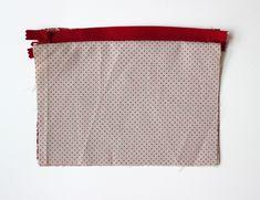 DIY pas à pas : jolie pochette en tissu Diy Clothes Videos, Simple, Dimensions, Hui, Bandana, Macrame, Embroidery, Crochet, Waldorf Dolls