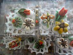 le mie creazioni zuccherose: Confetti Decorati Per Prima Comunione