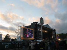 Hoofdpodium Retropop Emmen met Status Quo.