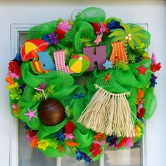 Aloha Mesh Wreath Luau Summer Leis by HolidaysAreSpecial on Etsy Wreath Crafts, Diy Wreath, Diy Crafts, Wreath Ideas, Paper Flowers Craft, Flower Crafts, Hawaiian Crafts, Hawaiian Luau, Deco Mesh Wreaths