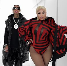Rapper Tyga Drop Visuals For 'Dip' Featuring Nicki Minaj Nicki Minaj Rap, Nicki Minaj Outfits, Nicki Minaji, Tyga, Beyonce, Rihanna, Wig Companies, American Rappers, Cardi B