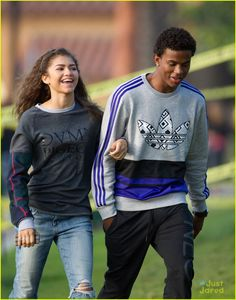 Full sized photo of Zendaya: Paddleboarding with Trevor Jackson! and zendaya trevor jackson paddleboarding Check out the latest photos, news and gossip on celebrities and all the big names in pop culture, tv, movies, entertainment and more.