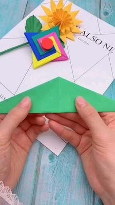 Diy Crafts Hacks, Diy Crafts For Gifts, Diy Home Crafts, Creative Crafts, Instruções Origami, Paper Crafts Origami, Origami Videos, Cool Paper Crafts, Diy Paper