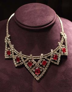"""Cartier Ruby and Diamond Necklace - Elizabeth Taylor The Cartier Ruby Suite was given to Elizabeth Taylor from Mike Todd in August of 1957."""" (quote) via pricescope.com"""