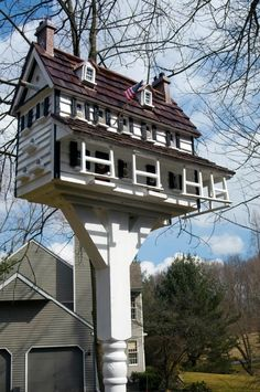 "Welcome to Thomas F Burke's Website!                             ""For The Birds""  -  BEAUTIFUL  bird houses       http://www.tfburkebirdhomes.com/ portfolio.html"