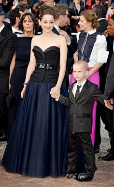 We're suckers for navy/black combinations (Marion Cotillard in Dior at #Cannes)