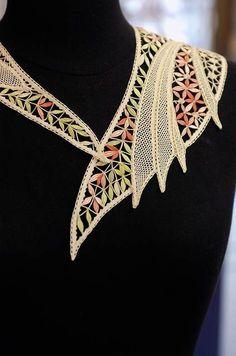 Из того , что под руками — Идеи для плетения кружев (из интернета) | OK.RU Irish Crochet Tutorial, Irish Crochet Patterns, Crochet Motif, Crochet Doilies, Crochet Lace, Crochet Collar, Lace Collar, Embroidery Suits Design, Lacemaking