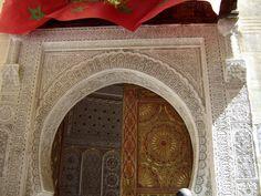 #magiaswiat #podróż #zwiedzanie #agadir #blog #afryka  #maroko #essaouir #ocean #safi #qualidia #al-dzadida #suk #casablanka #rabat #meknes #volubilis  #fez #meczet #marakesz #wytworniaplytek Agadir, Oversized Mirror, Ocean, Blog, Home Decor, Decoration Home, Room Decor, The Ocean, Blogging