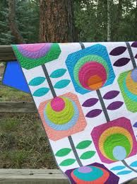 Needing a little flower power on this winter day!  #quilt #modern #quiltmodern