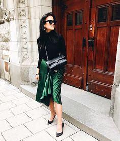 Street style fashion outfit plaid skirt chanel bag celine sunglasses kitten heels http://mariannelle.com