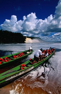 Canoeing the tallest world waterfalls in Canaima National Park, Venezuela