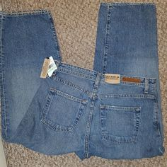 Polo Ralph Lauren Cropped Saturday Jean NWT Size 8 ~ 100% cotton New with tags Hard to Find Saturday Cropped Jean Vintage look Polo by Ralph Lauren Jeans Ankle & Cropped