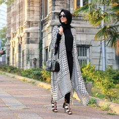 Baju Lebaran 2017 #dressmuslim #dressmuslimeid #partydressmuslim #eidmubarak http://www.modelmuslims.com/2016/05/3-model-baju-lebaran-terbaik.html