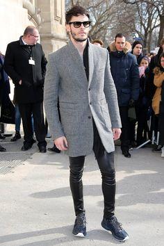Pin for Later: Ces Célébrités Ont Gardé Leurs Meilleurs Looks Pour la Fashion Week de Paris Baptiste Giabiconi Au défilé Chanel.