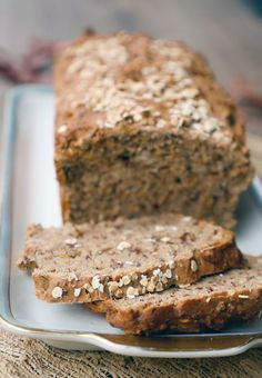 Fast spelled wholemeal bread - super juicy- Schnelles Dinkel-Vollkornbrot – super saftig Recipe for spelled wholemeal bread More - Vegan Breakfast Recipes, Vegan Recipes, Sweet Bread Meat, Law Carb, Flax Seed Recipes, Whole Grain Bread, Spelt Bread, Pampered Chef, Pumpkin Recipes