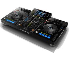 Be liberated from the laptop as Pioneer DJ launches the XDJ-RX: the rekordbox™ DJ system with the perfect marriage of the CDJ platter, a high-performance mix. Dj System, Pioneer Ddj, Digital Dj, Music Studio Room, Music Rooms, Dj Headphones, New Dj, Software, Recording Studio Design