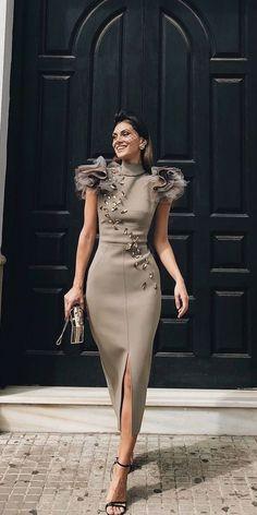 Ideas For Fashion Dresses Gowns Style Party Fashion, Fashion Show, Trendy Fashion, Style Fashion, Vintage Fashion, Event Dresses, Wedding Dresses, Bride Dresses, Occasion Dresses