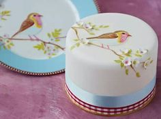 pretty 3 dimensional cakes | swiss cake artist and cake central contributor panel7124 designed the