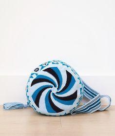 wayuu mochilas bags blue black
