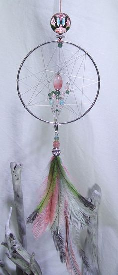 So pretty and girly Hobbies And Crafts, Diy And Crafts, Los Dreamcatchers, Butterfly Bedroom, Dream Catcher Native American, Wire Crafts, Mobiles, Beads And Wire, Gem S