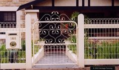 craftsman fencing | Love this!