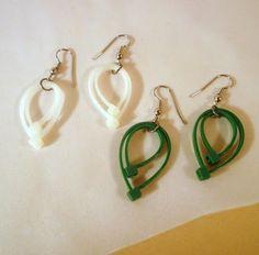 Mich L. in L.A.: Zip-tie tutorials, part one!  Zippy, leafy earring...