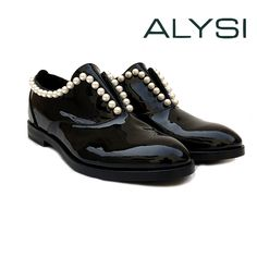 Scarpa in pelle verniciato nero - ALYSI - Nella Outlet Store Outlet Store, All Black Sneakers, Shoes, Fashion, Elegant, Moda, Zapatos, Shoes Outlet, Fashion Styles