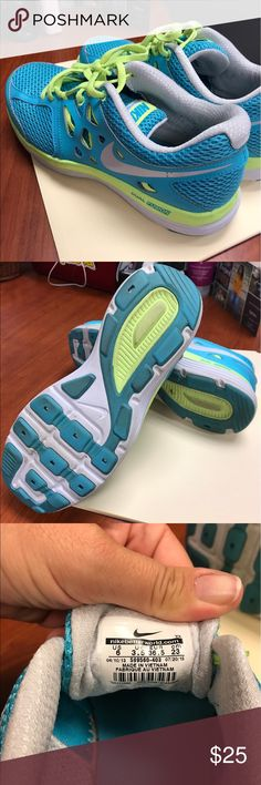 Nike Tennis Shoes Barely worn ladies size 6 Nike Dual Fusion sneakers. Nike Shoes Athletic Shoes