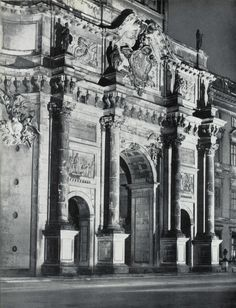 Berliner Schloss Hauptportal in den 20ern
