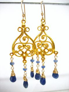 The birth stone of September is Sapphire. Although Sapphire is found in so many different colors, I chose to use blue and combined it with warm gold vermeil ornaments.