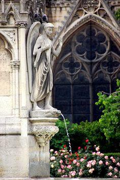 détails d'extérieur de  Notre Dame de Paris