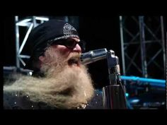Shorter Version can be found ~~ (this one is KickAzz) ZZ Top Live - La Grange ; Tush (Crossroads Guitar Festival)