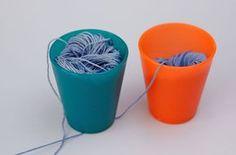 10 Stricktricks - die beim Stricken hilfreich sind Stricktricks: Diese 10 genialen Hilfen sind fast in jedem Haushalt zu finden und erleichtern das Stricken. #Garnabroller #KnittingHacks #Maschenmarkierer #Maschenstopp #Maschenzähler #Strickhacks #Strickschrift #Stricktricks