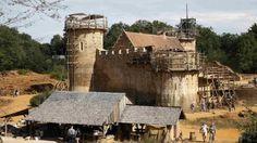El asombroso castillo del siglo XXI que se construye con técnicas del siglo XIII