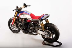 Honda unveils the Honda TR Concept bike at the EICMA show in Milan, Italy. Concept Motorcycles, Custom Motorcycles, Custom Bikes, Bmw Motorcycles, Motos Honda, Honda Bikes, Honda Scrambler, Cafe Racer Bikes, Cafe Racers