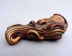 Netsuke: Phosphorescense - Young Octopus by Guy Shaw - Galerie Flachsmann
