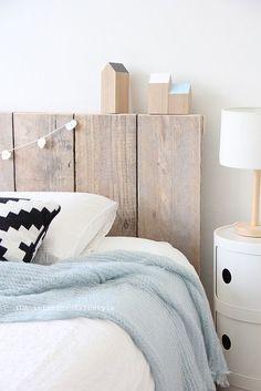 11 projets de têtes de lit « DIY » - Tete de lit en palette ♥ #epinglercpartager