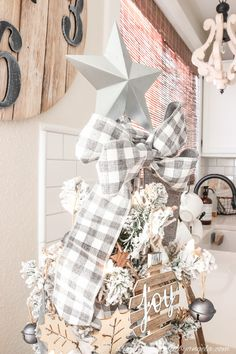 A Farmhouse Style Christmas Tree | Simply Beautiful By Angela Grey Christmas Tree, Diy Christmas Room, Christmas Tree Decorating Tips, Pretty Christmas Trees, Flocked Christmas Trees, Christmas Mantels, Decorating Blogs, Rustic Christmas, Christmas Tree Decorations