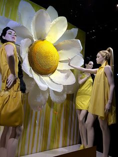 """BLOOMINGDALES, Lexington Ave, New York, """"Yes, I grew the daisy..........don't touch"""", pinned by Ton van der Veer"""