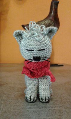 Gattino con sciarpa amigurumi