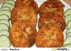Bramborové karbanátky se sýrem a uzeninou No Salt Recipes, Tandoori Chicken, Bon Appetit, Baked Potato, Zucchini, Food And Drink, Low Carb, Menu, Potatoes